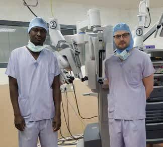 Médecins devant le robot Da Vinci